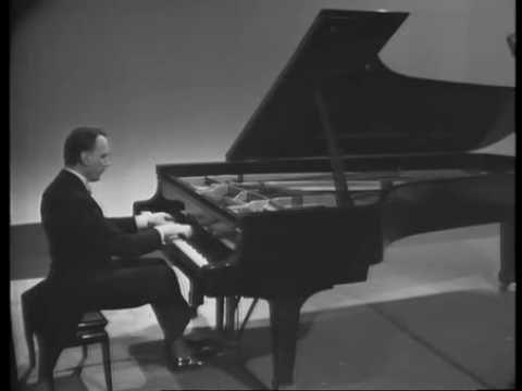 Arturo Benedetti Michelangeli plays Scarlatti - Sonata in B minor