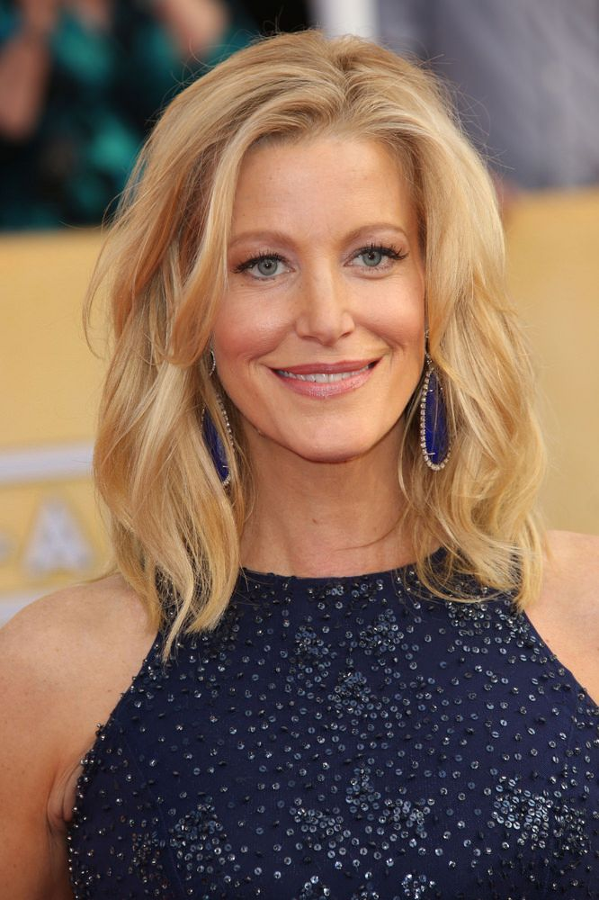 Anna Gunn Medium Hairstyle with Loose Organic Curls