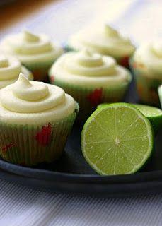 Marias Salt og Søtt: Muffins med kokos og lime (Coconut & lime cupcakes)