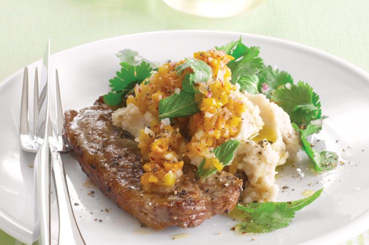 Lamb+chops+are+a+perennial+favourite+-+they're+quick+cooking,+inexpensive+and+tasty.+For+a+complete+meal+serve+them+with+healthy+bean+puree+and+herb+salad.