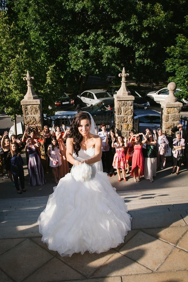 Benicarlo esküvői ruha a Pronovias kollekció egyik legsikeresebb modellje gyönyörű menyasszonyunkon http://lamariee.hu/eskuvoi-ruha/pronovias-2013/benicarlo
