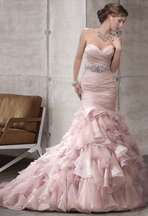 mermaid wedding dress in pink! love it~