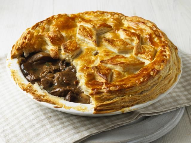 25 of the Best Traditional British Pie Recipes: 25 Delicious British Pies - Sweet and Savoury