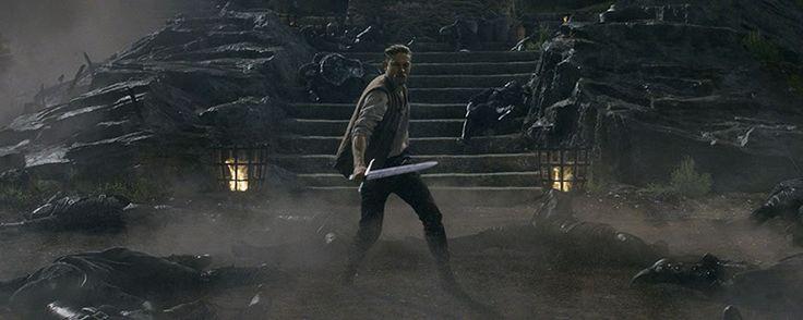 'Rey Arturo: La Leyenda de Excalibur': Tráiler final en español de la película del caballero británico
