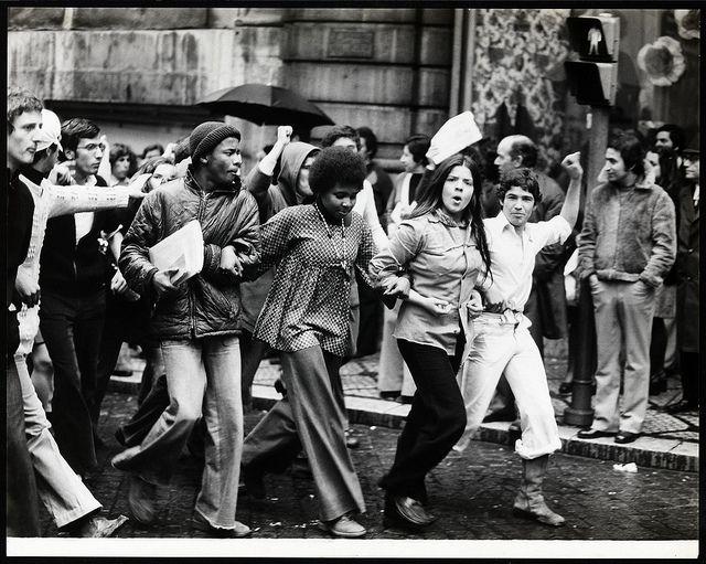 april 25 ,1974 . portugal revolution