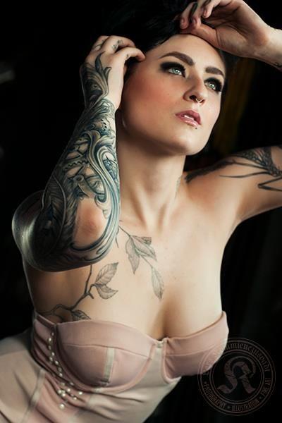 Mavis naked