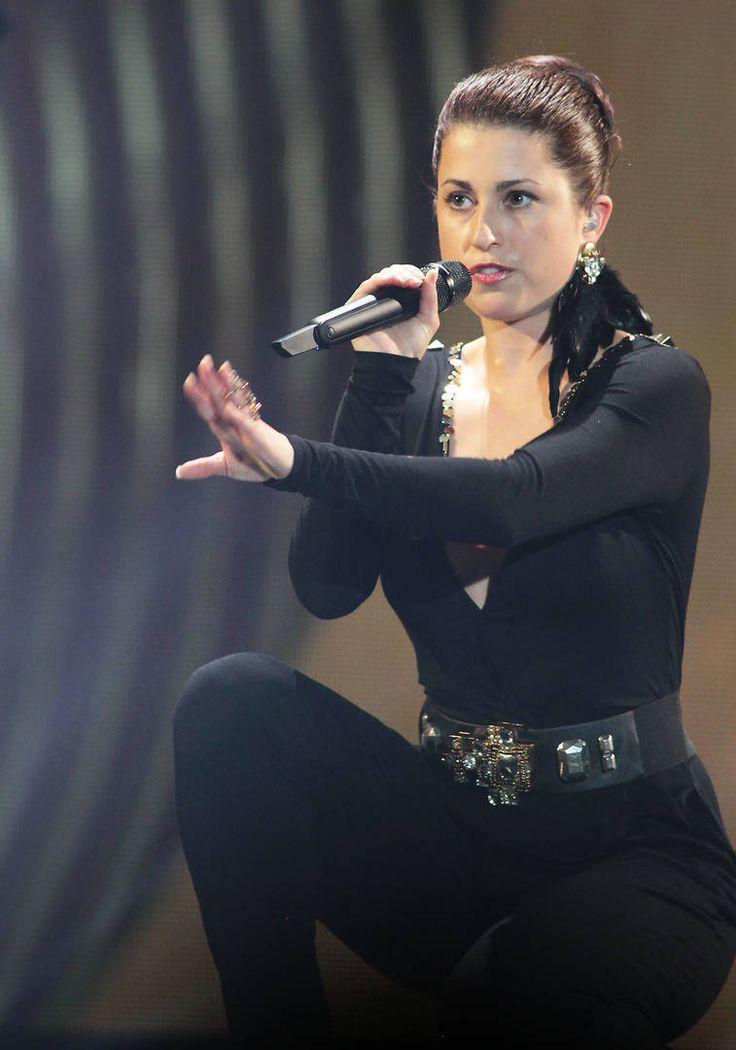 """Deutschland - Ann Sophie mit """"Black Smoke"""" (KURIER/Franz Gruber) Mehr Bilder vom #ESC Finale finden Sie auf http://kurier.at/songcontest."""