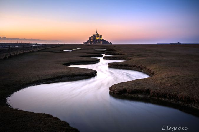 Night beginning at Mont Saint Mich' by Ludovic Lagadec