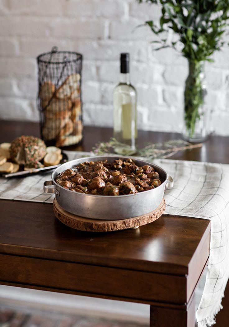 Ragoût de boulettes, sauce aux fruits séchés & porto blanc