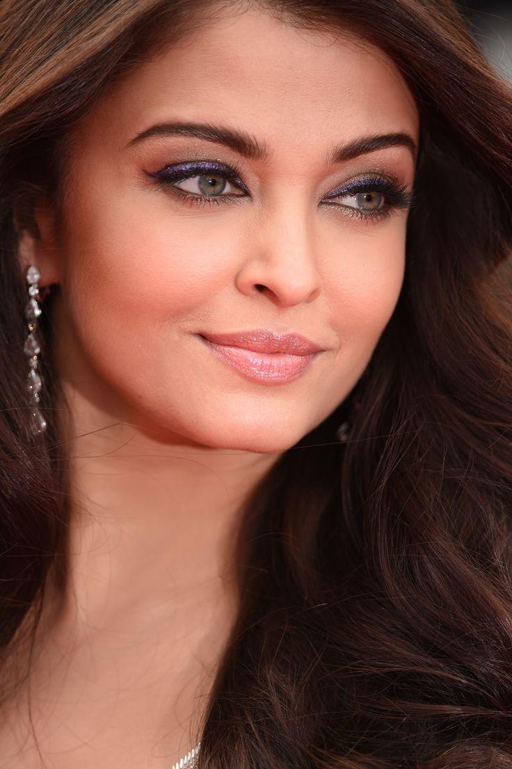 Simply stunning! #AsihwaryaRai #Cannes2014