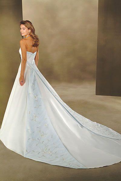 18 best disney fairytale and princess wedding dresses for Disney line wedding dresses