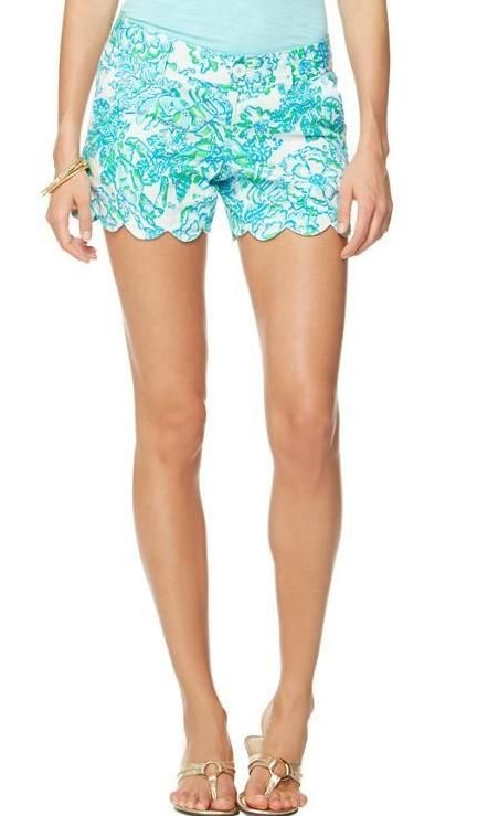 Lilly Pulitzer Buttercup Scallop Hem Short in Northeast Hahbah