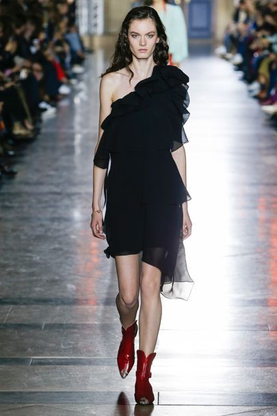 From Givenchy & Hermès to Giambattista Valli & Alexander McQueen… via Paris FW   Classy and fabulous way of living