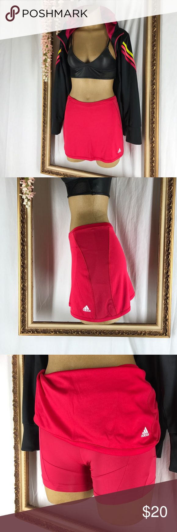 Adidas Climacool Tennis 🎾 Skirt Keep it cool and sexy on and off the court!  This Climacool skort conducts heat and sweat away from your body, keeping comfortable. The inner shorts offer light support.  The sublimated horizontal stripes add to the ventilation of the skort by utilizing tiny holes paneled on the sides. Perfect Condition Adidas Skirts Mini