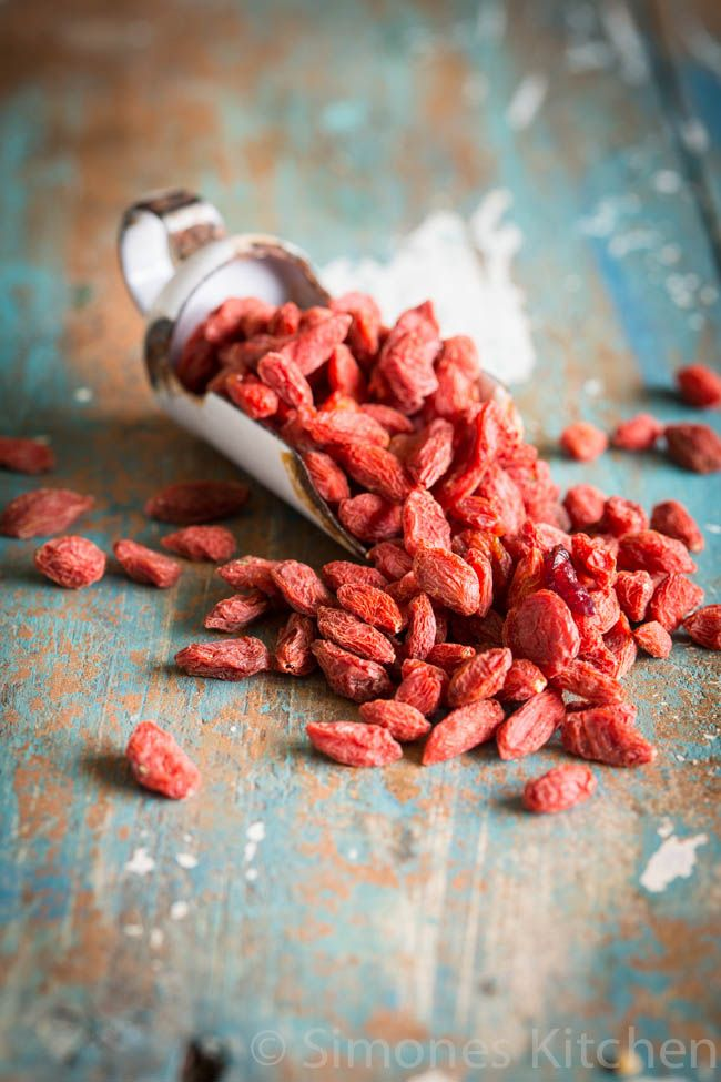 Goji berries - Superfood #1 | insimoneskitchen.com: Health Problems, Simoneskitchen Nl, Healthy Snacks, Zijn Superfood, Snacks Ideas, Berries Benefits, 10 Superfood, Goji Berries, Healthiest Superfood