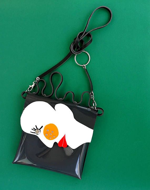 Unique crossbody bag for girl woman who likes art, pablo picasso art fan, only of a kind handmade vinyl pvc bag, gift for art girl, unusual and unique handbag in the form of a womans profile. Inspired by the art of Pablo Picasso, I created a unique bag with a canonical beauty profile with