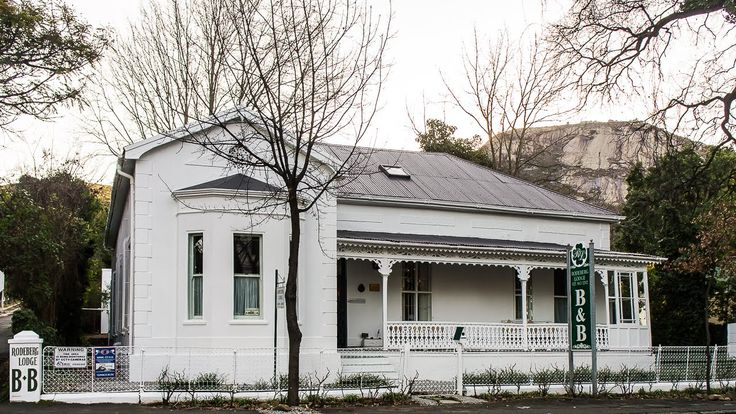 A Classic Paarl Beauty sold as a Paarl Guesthouse - R5,800,000