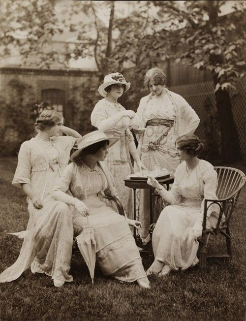 "A 1912 photograph of women in Lucile tea apparel. Now this is what I think of when I think ""Garden Party Attire"""
