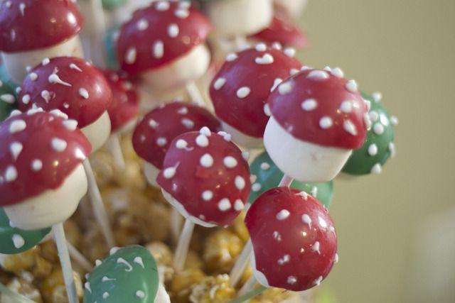 Super Mario Bros mushroom cake pops