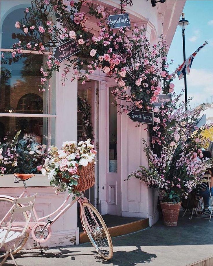 cutest london brunch spot in spring