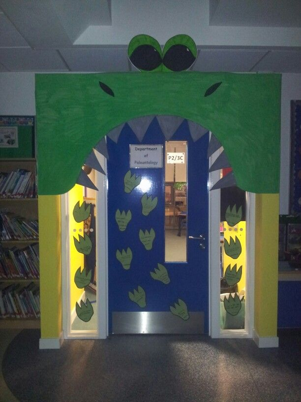 Dinosaur classroom door & Best 25+ Dinosaur bulletin boards ideas on Pinterest | School ... Pezcame.Com