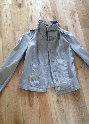 À vendre sur #vintedfrance ! http://www.vinted.fr/mode-femmes/autres-manteaux-and-vestes/31107932-veste-intersaison-beige-taupe-hm