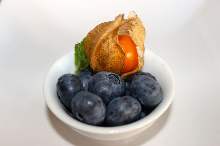 #delicious #snack #physalis #blueberry #mint