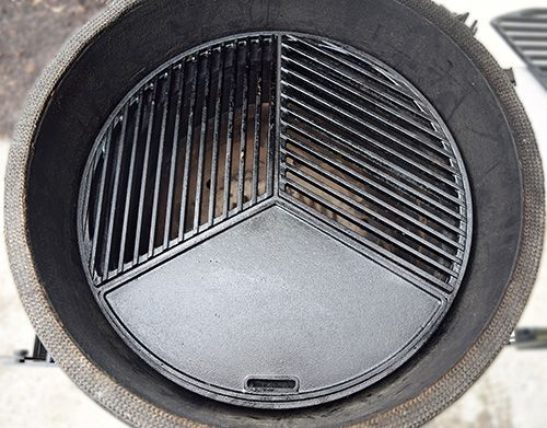 Review of updated Craycort Cast Iron Grate systems for kamado grills like the Big Green Egg, Primo, and Grill Dome.