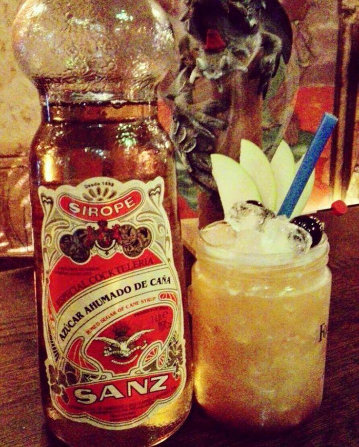 #Cocktail sin #alcohol de Manuel Jimenez desde Al-Jaima en Cabeza del Buey, Badajoz. Hecho a base de zumo de piña, puré de calabaza, #sirope de azúcar ahumado #Sanz y zumo de lima.  Él es campeón del mundo en técnica Long Drink Tokyo 2016 y campeón nacional 2015 de degustación de #cocteleria clásica FABE, entre otros galardones más. #Jarabes #Nordpol #Mixología #Mixology #cocktails #drinkporn #bartender #mixologist #flairbartending #falir #sumiller #receta #jarabe #frambuesa #Madrid