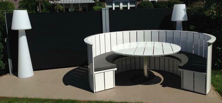 Round lounge sofa