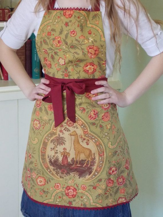 Hand Sewn Apron Made From Vintage Linen And Lace by content2Bsew