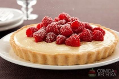 Receita de Torta de maracujá com framboesa em receitas de tortas doces, veja essa e outras receitas aqui!