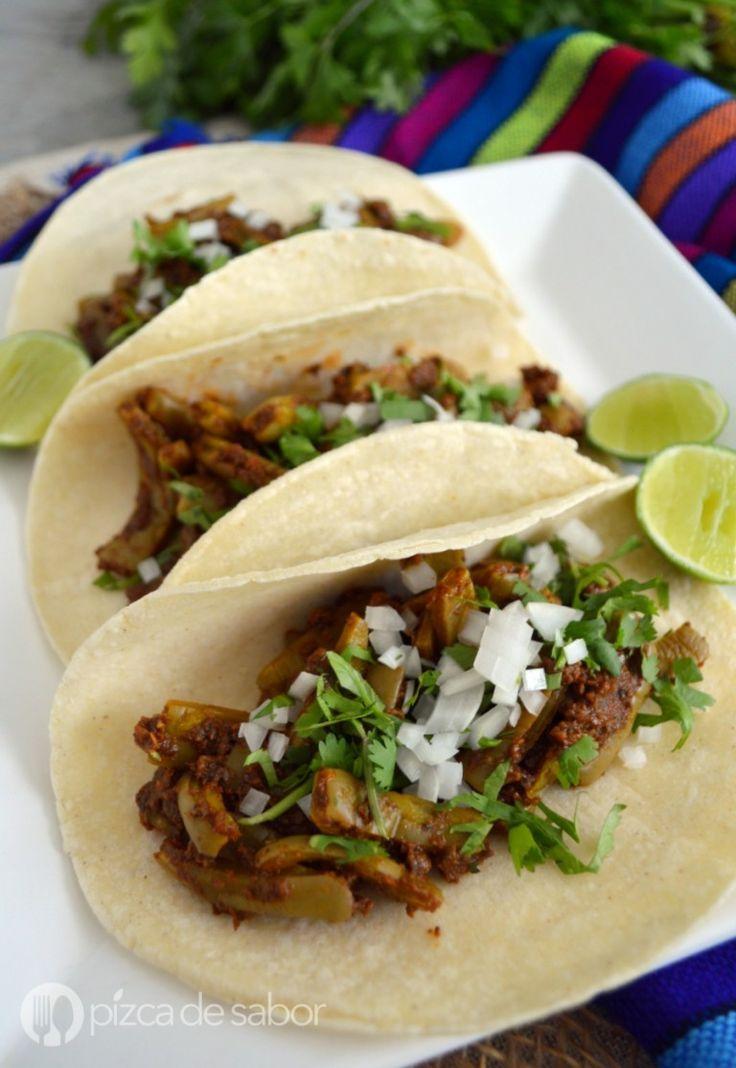 Tacos de nopales con chorizo vegano www.pizcadesabor.com