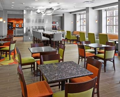 Hampton Inn by Hilton Calgary Airport North Hotel, - Breakfast Area