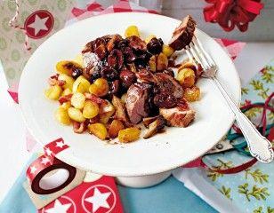 Das Rezept für Schweinefilet mit Portweinpilzen und Gnocchi und weitere kostenlose Rezepte auf LECKER.de