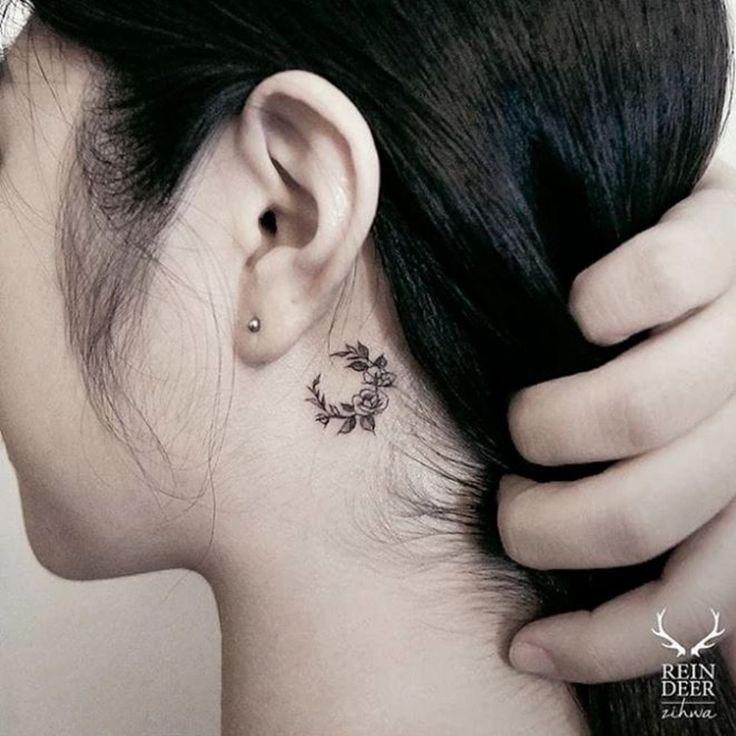 Les 25 meilleures id es de la cat gorie tatouages derri re l 39 oreille sur pinterest tatouages d - Tatouage femme derriere l oreille ...