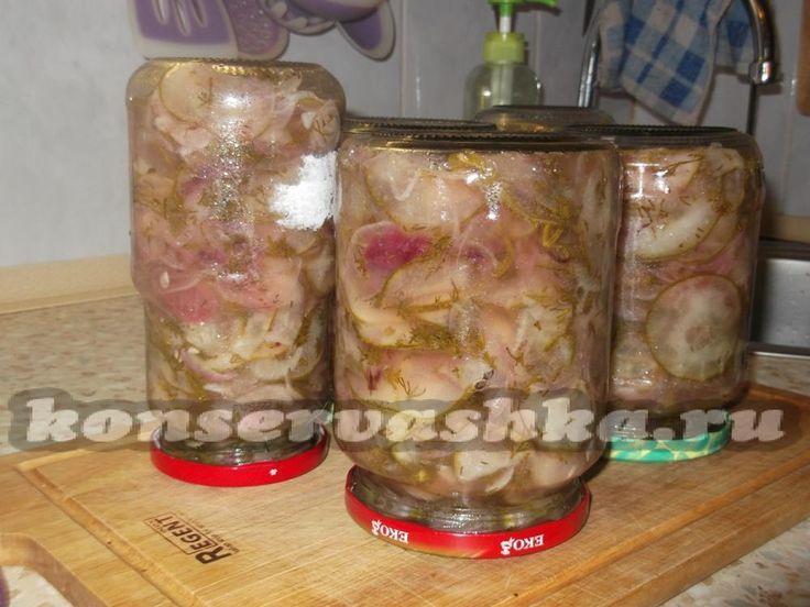 Консервированный салат из огурцов нежинский