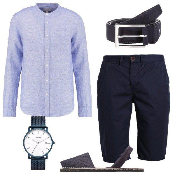 Outfit casual, composto da camicia celeste a maniche lunghe e collo alla coreana abbinata ad un bermuda navy e ad un paio di sandali blu scuro in pelle effetto scamosciato. Per gli accessori ho scelto: cintura blu scuro in pelle e orologio blu in acciaio con quadrante rotondo.
