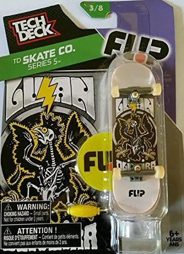 Tech Deck TD Skate Co. Series 5 Flip Finger Skateboard with Display Stand 3/8
