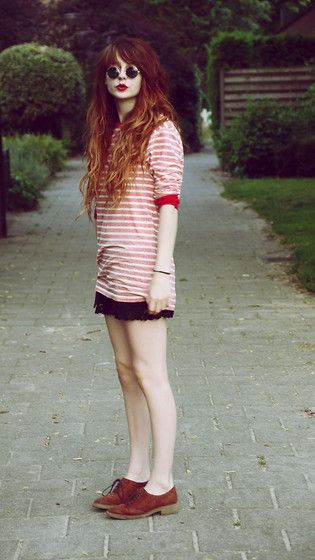 Where's waldo? (by Nadia Esra) http://lookbook.nu/look/3706965-where-s-waldo