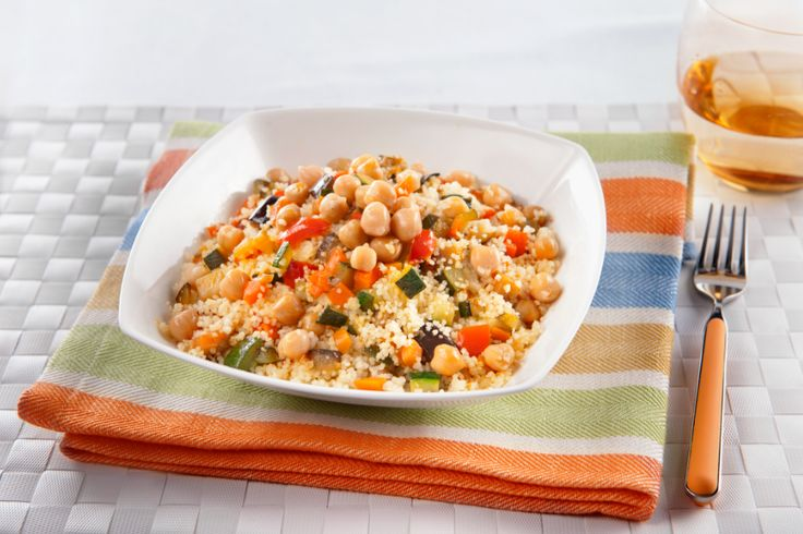 Cous Cous con ceci verdure e curcuma #Ceci, #CousCous, #Gastronimia, #Ricetta, #Verdure http://eat.cudriec.com/?p=5164