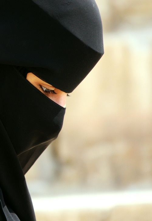 . : : I don't care what people say, I think black niqab looks so beautiful.