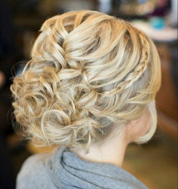 super tolle Brautfrisur für blondes Haar
