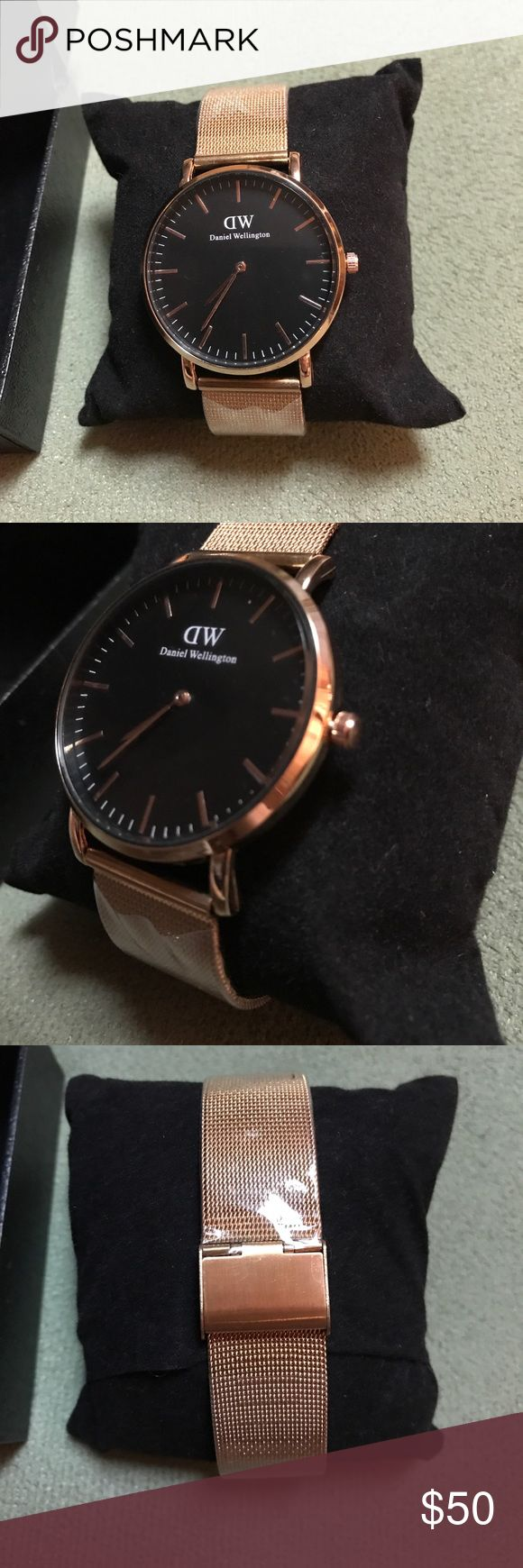 💥NEW💥Daniel Wellington Gold/Black Watch Last one!  New with spare black box. Adjustable wrist track. case diameter 5cm, face 4.5cm. Very good quality (Price reflects authenticity) Daniel Wellington Accessories Watches
