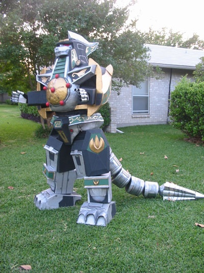 Awesome Dragonzord costume from the Green Power Ranger.