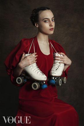Paulina Otylie http://www.vogue.it/people-are-talking-about/vogue-arts/2014/10/paulina-otylie-surys