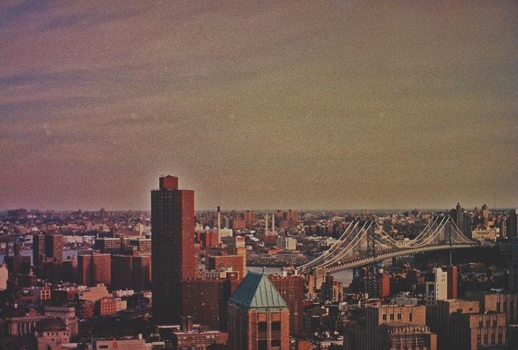 Photo Simon Gaviria - Minolta XD11/lomo iso800 #nyc #newyork