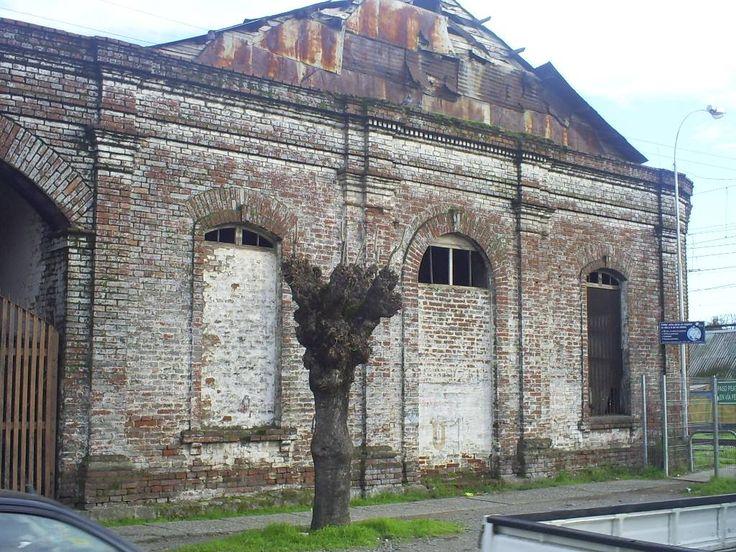 Antigua maestranza y bodegas de Vialidad. Desaparecida tras el terremoto de 2010.