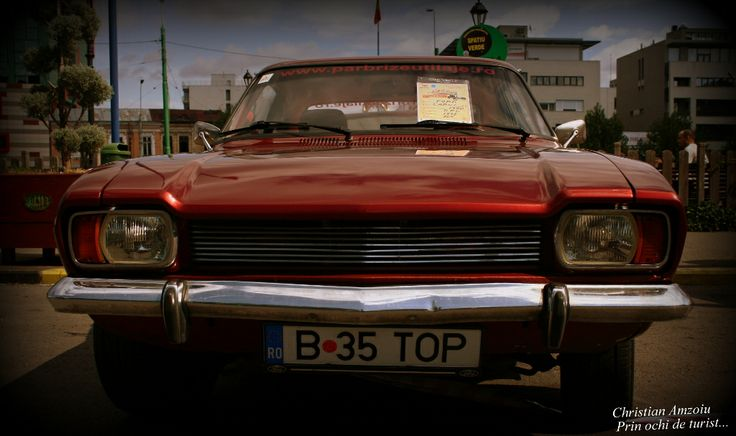 Classical cars convention in Bucharest. http://prinochideturist.wordpress.com/2013/09/15/masini-clasice-din-alta-era-classic-cars-of-a-different-era/