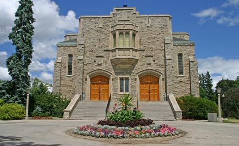 Comment if you had your graduation here...War Memorial Hall..University of Guelph!...remembering good times..
